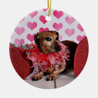 Der Tag des Valentines - Trudy - Dackel Keramik Ornament