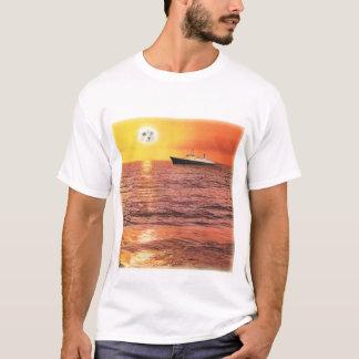 Der Traum der Katzen-Dame Digital Collage T-shirt