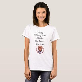 Der Trumpf, der hinunter Amerika man holt, tweeten T-Shirt