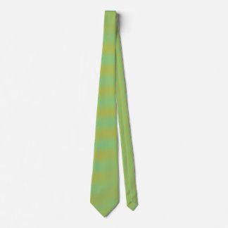 Der Türkis und die orange gestreifte Krawatte der