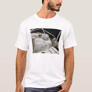 Der unter Druck gesetzte fügende Adapter 3 T-Shirt