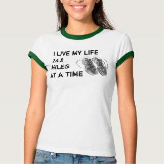 Der Wecker der Damen - Leben 26,2 Meilen auf T-Shirt