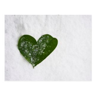 Der Winter-Schnee-romantisches Herz der Natur der Postkarten