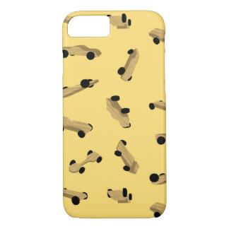 Derby-Autos auf Gold iPhone 7 Hülle