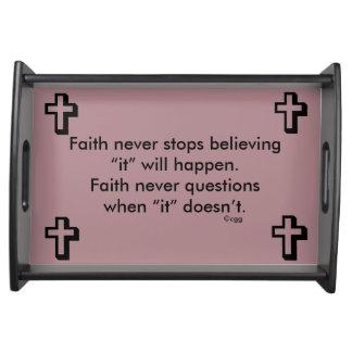 Des Glauben-Kreuz nie Serviertablett-w/Shadow Tablett