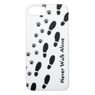 Des Hundeliebhabers gehen nie allein iPhone 7 Fall iPhone 7 Hülle