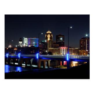 Des- MoinesSkyline mit Orlando-Tribut Postkarte