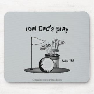 Des wirklichen Vatis beten den Vatertag Mousepad