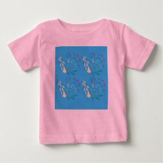 Designer-T - Shirt mit den Verzierungen blau