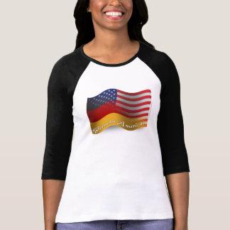 Deutsch-Amerikanische wellenartig bewegende Flagge T Shirt