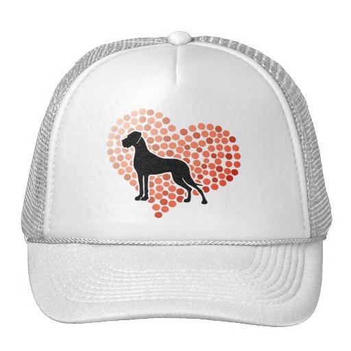 Deutsche Dogge in einem Herzen Mütze