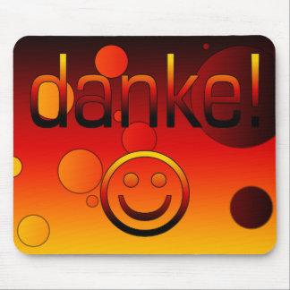 Deutsche Geschenke: Danke/Danke + Smiley Mousepad