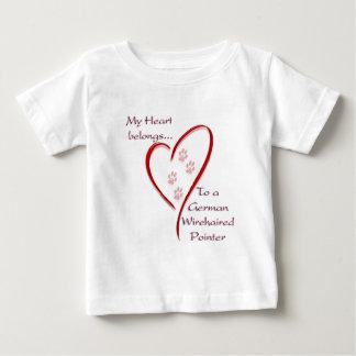 Deutsches Drahthaar-Zeiger-Herz gehört Baby T-shirt