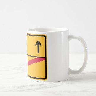 Deutsches Ortsschild, Ortsausfahrt Kaffeetasse