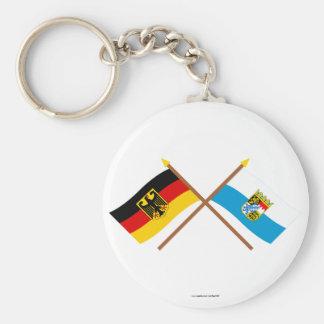Deutschland und Bayern Flaggen, gekreuzt Standard Runder Schlüsselanhänger