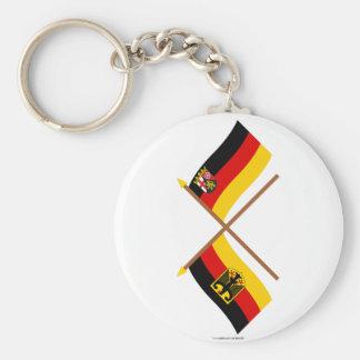 Deutschland und Rheinland-Pfalz Flaggen, gekreuzt Standard Runder Schlüsselanhänger