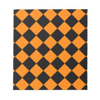 Diag kariert - Schwarzes und Orange Notizblock