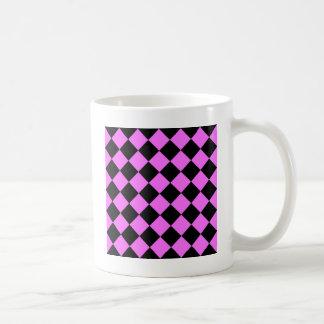 Diag kariert - Schwarzes und ultra Rosa Kaffeetasse