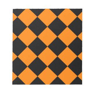 Diag kariertes großes - Schwarzes und Orange Notizblock