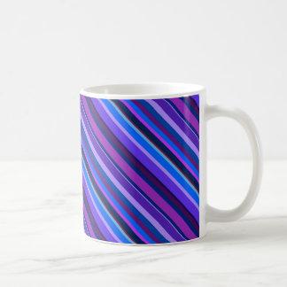 Diagonale Streifen in Blauem und in Lila Kaffeetasse