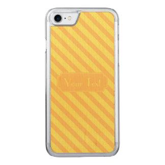 Diagonaler gelb-orangeer Streifentext Carved iPhone 8/7 Hülle