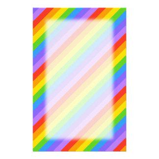 Diagonaler Regenbogen Stripes Muster Individuelles Büropapier