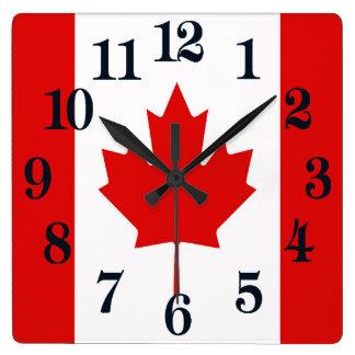 Die Ahornblattflagge von Kanada Quadratische Wanduhr