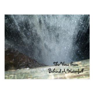 Die Ansicht von hinten ein Wasser… Postkarte