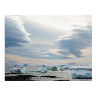 Die Antarktis. Brown-Täuschung. Lentikulare Wolken Postkarte