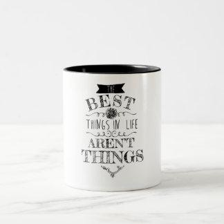 Die besten Sachen im Leben sind nicht Sache-Tasse Zweifarbige Tasse