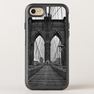 Die Brooklyn-Brücke in New York City OtterBox Symmetry iPhone 8/7 Hülle