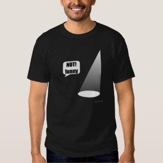 Die dunkle T der nicht lustigen Hemden