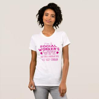 Die Ehefrau des Sozialarbeiters T-Shirt