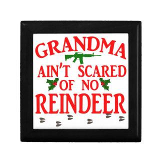 Die erhaltene Großmutter lief vorbei Geschenkbox