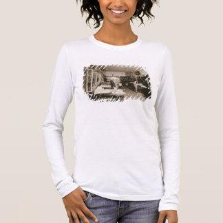 Die faberge-Werkstatt (b/w Foto) Langarm T-Shirt