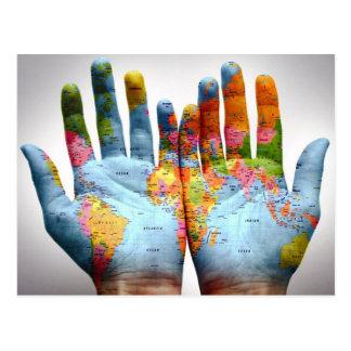 Die ganze Welt in seinen Händen Postkarten