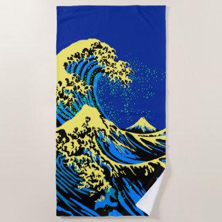 Die große Hokusai Welle in der blauen gelben Strandtuch