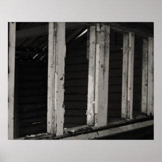 die gruselige hölzerne Hütte Plakatdrucke