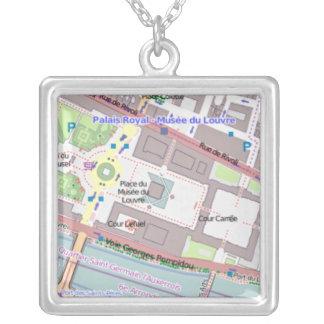 Die Halskette der Paris-Karten-Frauen