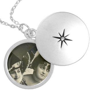 Die Halsketten-Antiken-Freundin-Freundschwestern Medaillons
