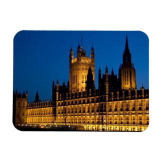 Die Häuser des Parlaments nachts in der Stadt von Vinyl Magnete