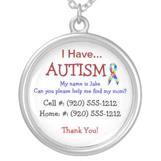 Die Identifikations-Halskette des Autismus-Kindes