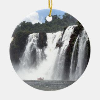 Die Iguaçu-Wasserfälle und Boote, Argentinien Keramik Ornament