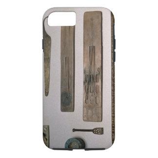 Die Instrumente eines Schreibers (Holz, Elfenbein, iPhone 8/7 Hülle