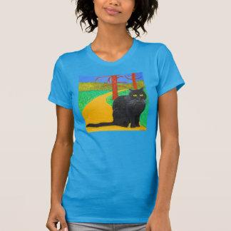 Die Irina die Katze, die aus das Holz herauskommt T-Shirt