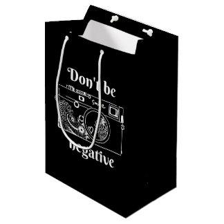 Die Kamera (negativ) Mittlere Geschenktüte