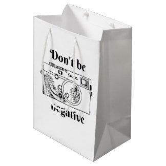 Die Kamera (positiv) Mittlere Geschenktüte