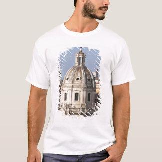 Die Kirche von Santissimo Nome di Maria und T-Shirt