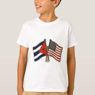Die kubanische Flagge und die amerikanische Flagge T-Shirt