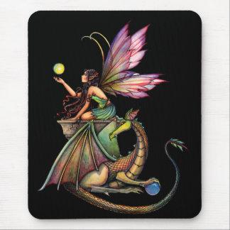 Die Kugel-Fee und Drache des Drachen durch Molly H Mauspads